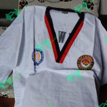 Baju taekwondo anak.
